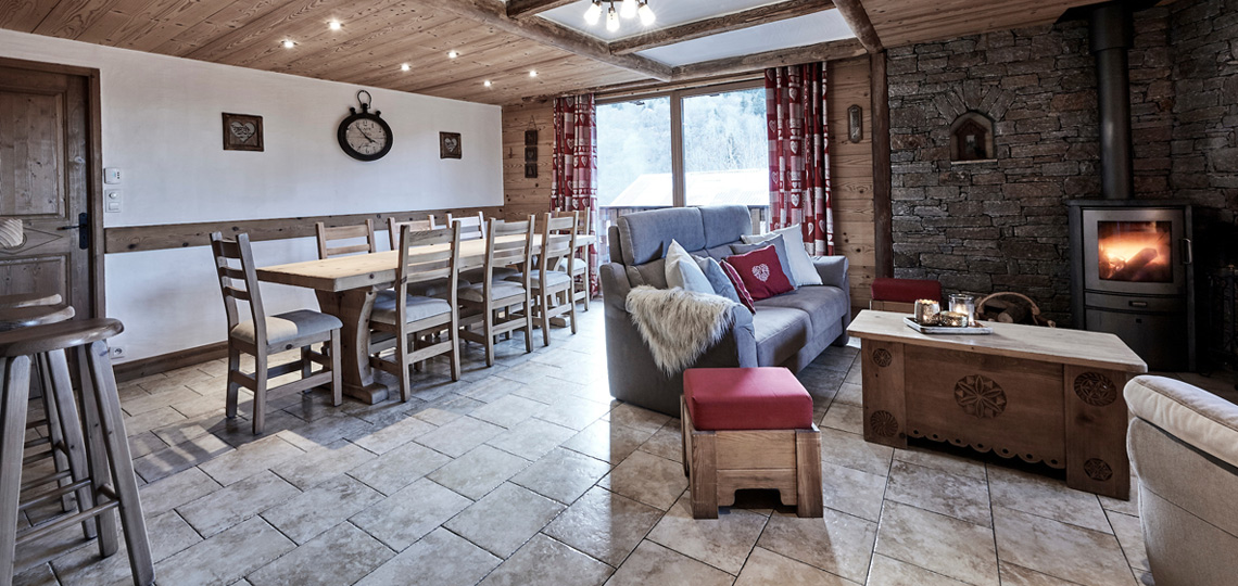 Chalet Blanche dining and sitting room